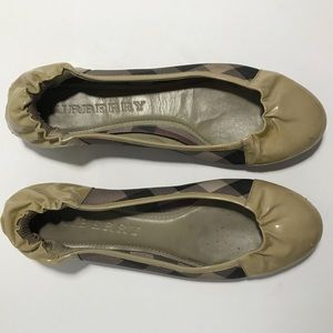 BURBERRY ballet flats w/ dustbag + box